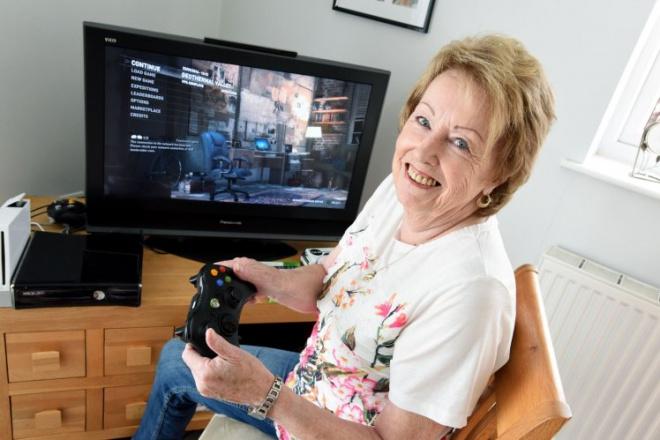 Esta avó de 72 anos gasta mais horas em jogos de computador que muitos jovens viciados 1